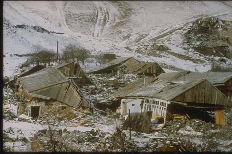 Collapsed Structures, Halavar, Armenia