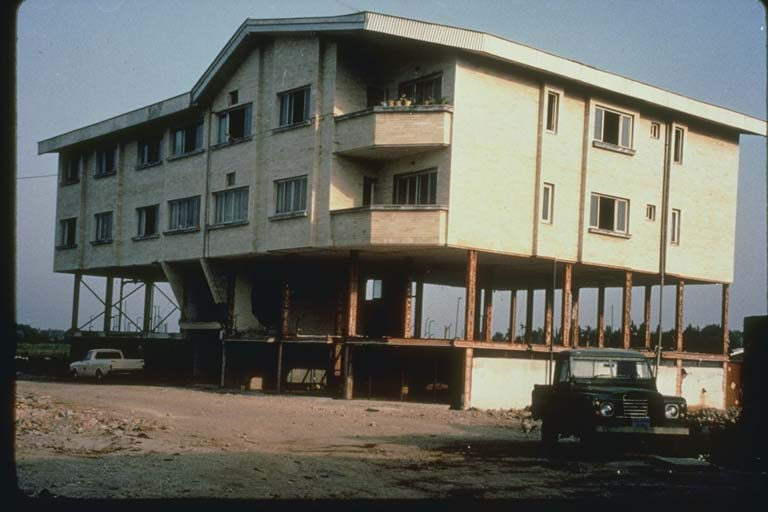 Damage Due to Inadequate Cross-Bracing, Iran