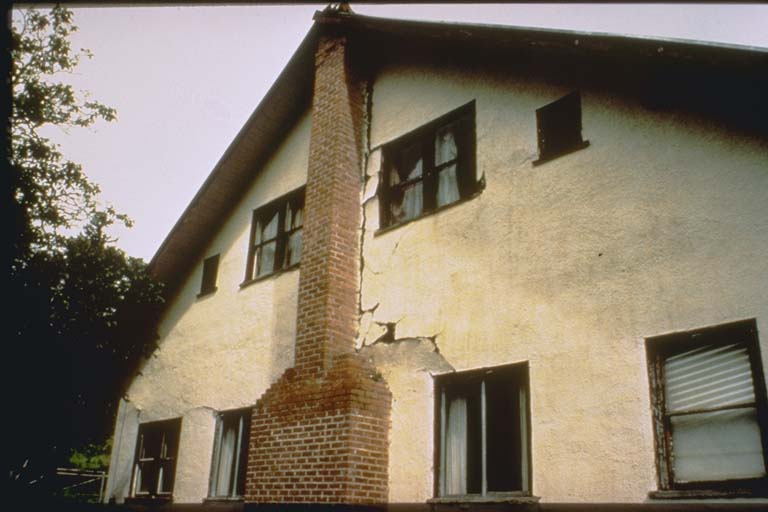 Perfect Damage to 70-year old house and chimney in Honeydew   NGDC Natural  RH42