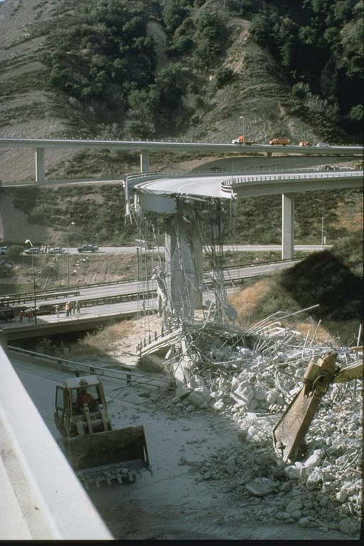 I5 and SR14 Freeway collapse