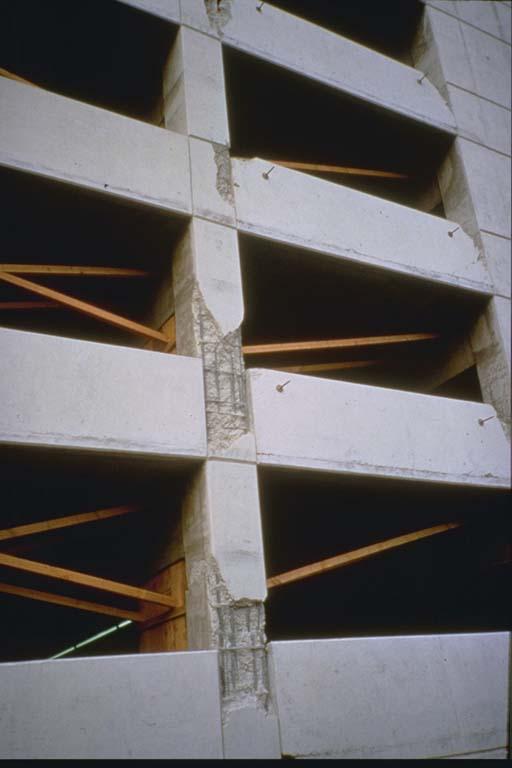 Damage to tilt-up building in Chatsworth
