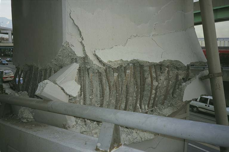 Damaged support for Kobe expressway
