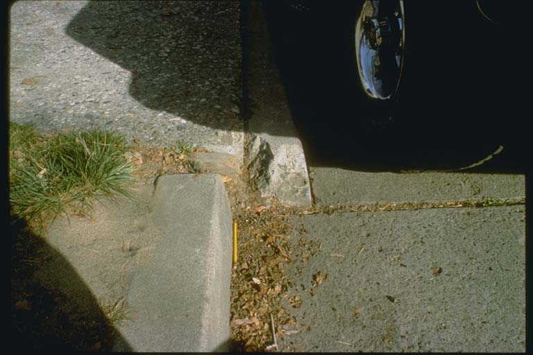 Broken curb, Hollister