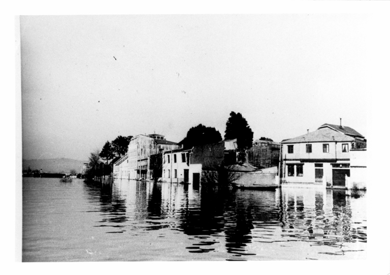 Arturo Pratt avenue inundated by the Valdivia River