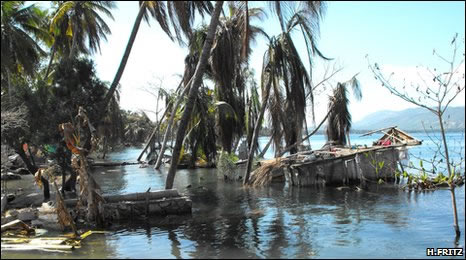 Tsunami Damage near Petit Paradis