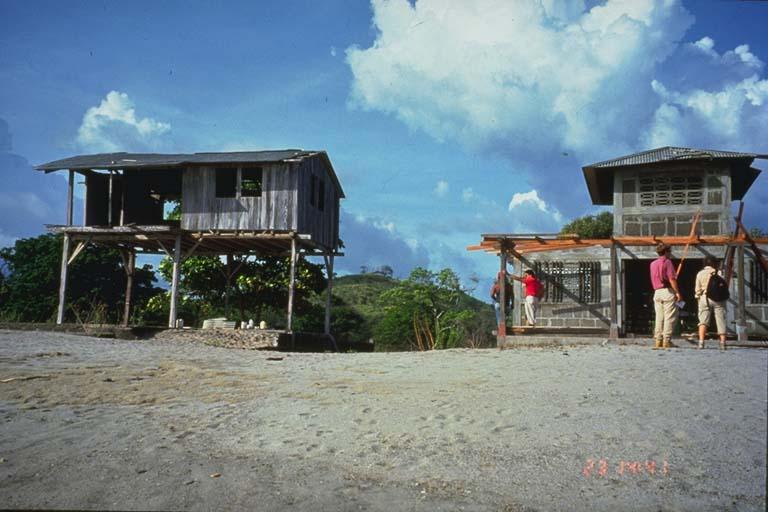 Contrasting construction, El Popoyo, Nicaragua
