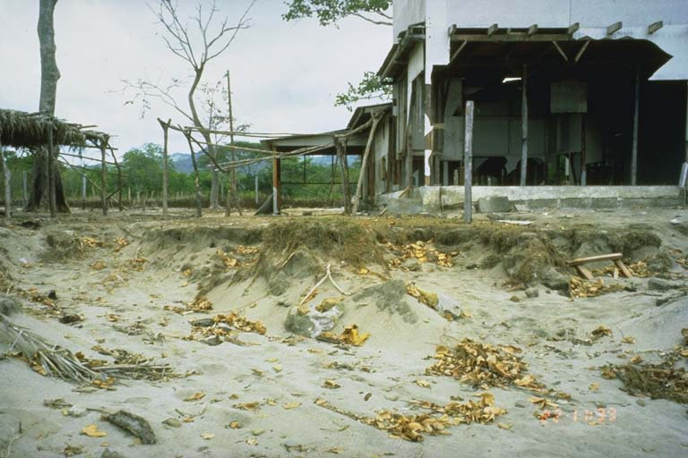 Damaged structures, Marsella, Nicaragua