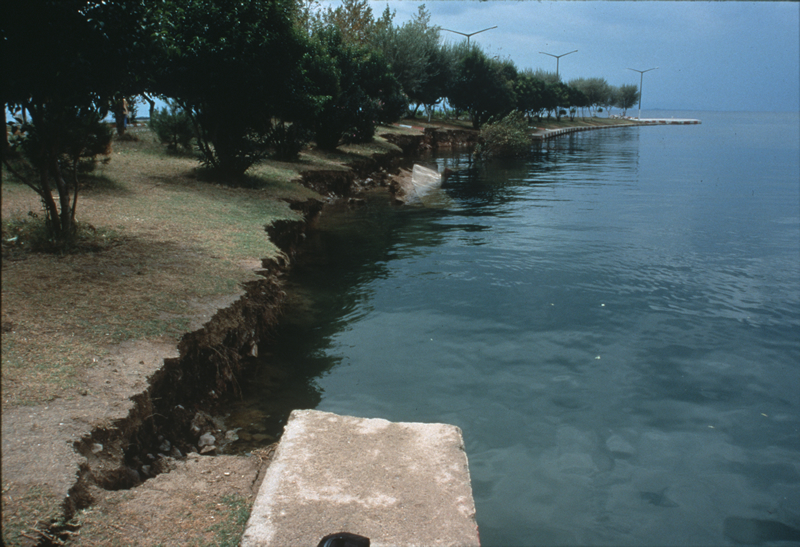 A slope failure in the small harbor of Hereke