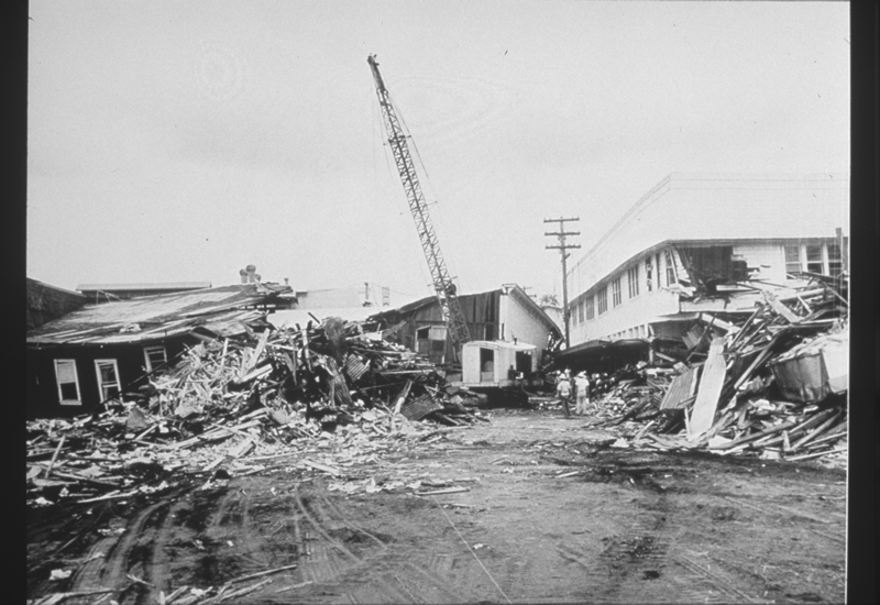 Beginning of clean-up operations at Hilo